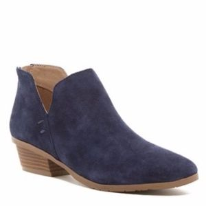 NEW Kenneth Cole Reaction Side Way Suede Bootie